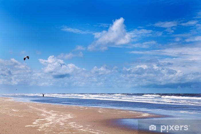Pixerstick Sticker Kitesurfen dicht bij het strand - Hemel