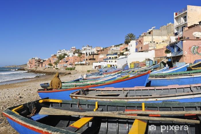 Papier peint vinyle Les bateaux de pêche sur la plage de Taghazout - Afrique