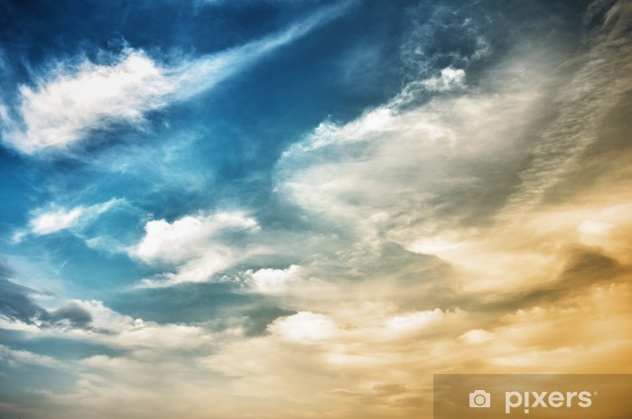 Sticker Pixerstick Ciel avec des nuages de bleu foncé parsemé - Thèmes