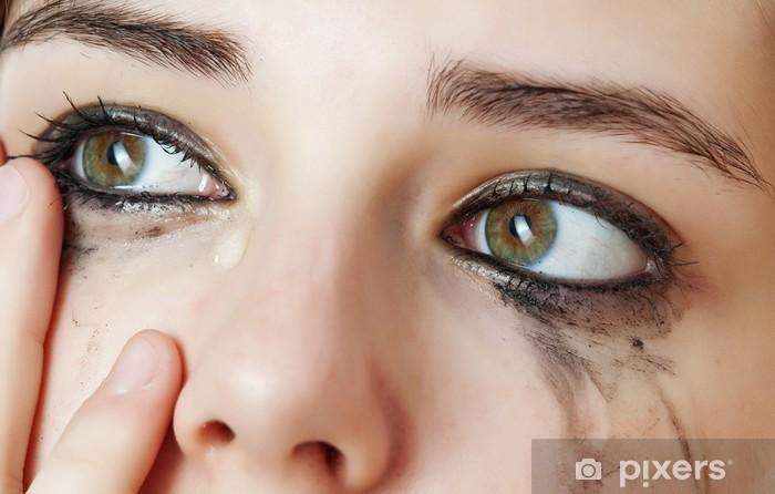 Naklejka Pixerstick Łzawienie oczu - wrażliwe oczy młodej dziewczyny - cying oczy. - Tematy
