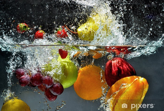 Fotomural Estándar Frutas y hortalizas salpicaduras en el agua -