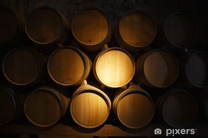 Fototapeta winylowa Beczki wina w starej piwnicy z winami - Posiłki