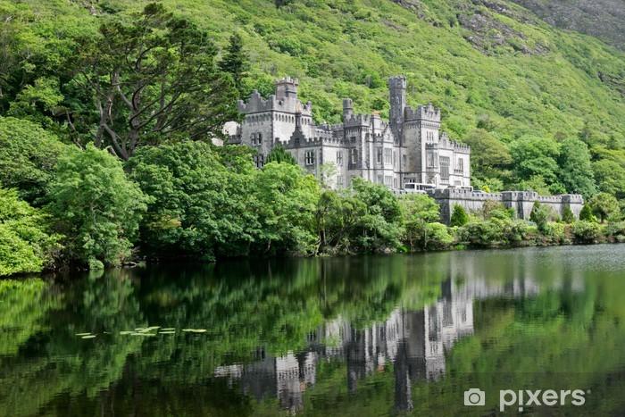 Naklejka Pixerstick Zamek Kylemore Abbey, Galway, Irlandia - Zamki i pałace