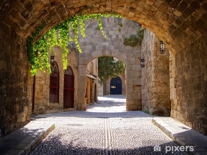 Pixerstick Sticker Middeleeuwse gebogen straat in de oude stad van Rhodos, Griekenland - Stijlen