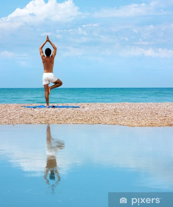 Fototapeta winylowa Man Doing Yoga. Vrikshasana Pose (drzewa) - Zdrowie