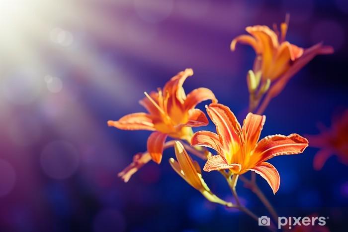 Vinyl-Fototapete Lilien-Blumen auf einem lila Hintergrund - Jahreszeiten