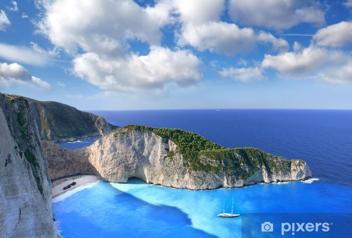 Vinyl Fotobehang Navagio Beach met schipbreuk in Zakynthos, Griekenland - Thema's