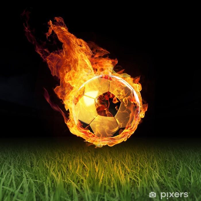 Papier peint vinyle Le football en flammes sur le champ 3D - Sport