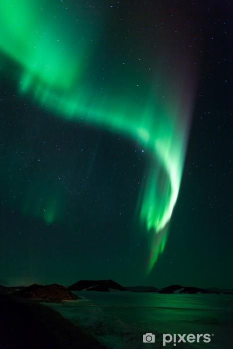 Vinyl Fotobehang Noorderlicht boven bevroren meer Myvatn in IJsland - Wonderen der Natuur