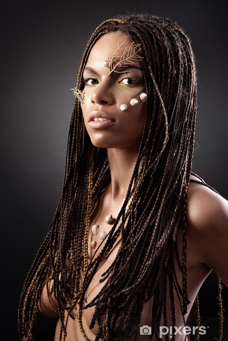 nahé obrázky afrických dívekčerná dívka monstrum kohout