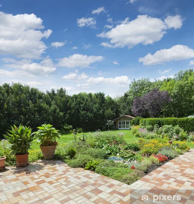 Fototapete Gartenanlage mit Teich und Terrasse