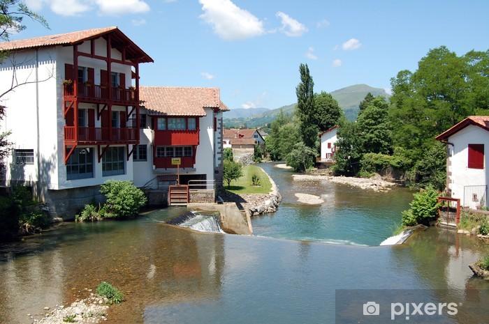 Fototapeta winylowa Domy wzdłuż rzeki w południowej Francji - Wakacje