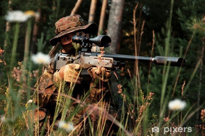 Sticker Pixerstick Sniper s'en prend d'une position. Dans le domaine de la camomille - Vie