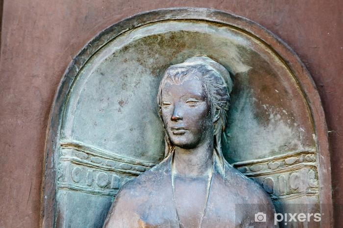 Naklejka Pixerstick Płaskorzeźba głowy kobiety w Sienie, Toskania, Włochy - Wakacje
