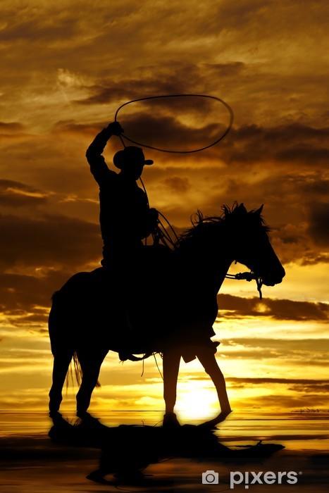 Mural de Parede em Vinil Cowboy swinging rope on horse in water - Céu