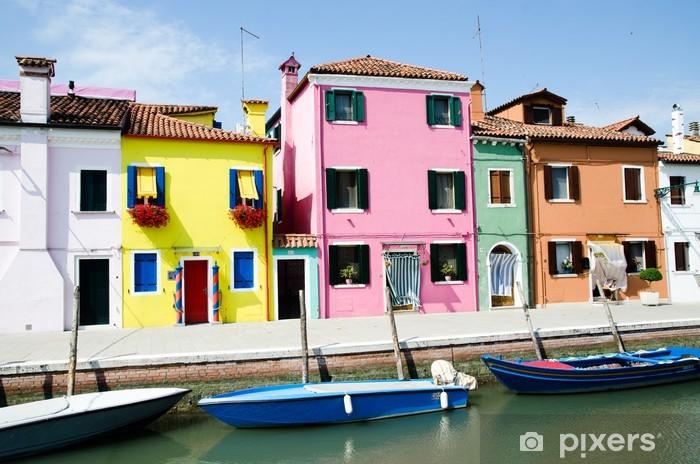 Papier peint vinyle Maisons colorées de Burano sur l'une des îles près de Venise - Villes européennes