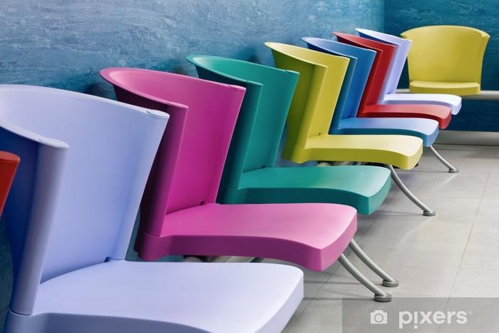 Carta Da Parati Sedie Colorate In Una Sala D Attesa Pixers Viviamo Per Il Cambiamento