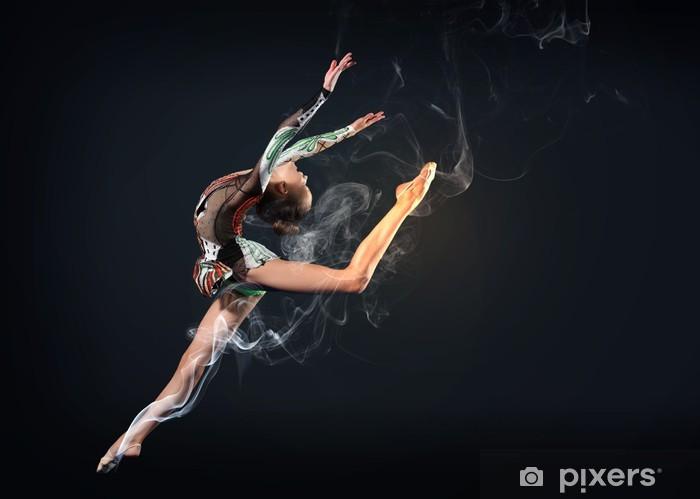 Papier peint vinyle Jeune femme posant en maillot de gymnaste - Art et création