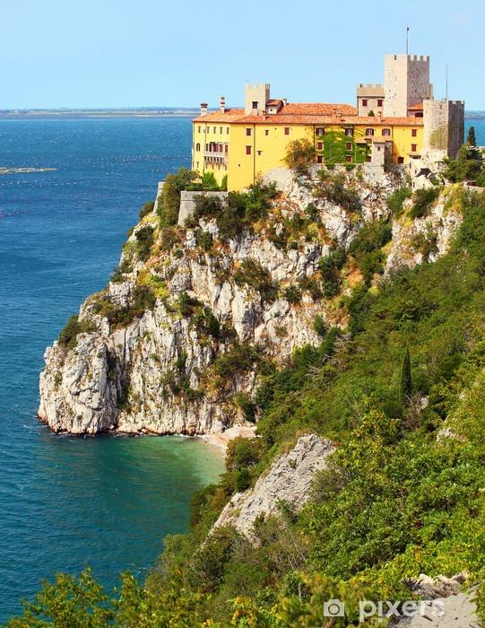 Nálepka Pixerstick Gotický Duino hrad na skále nad Jaderským mořem, Itálie. - Evropská města