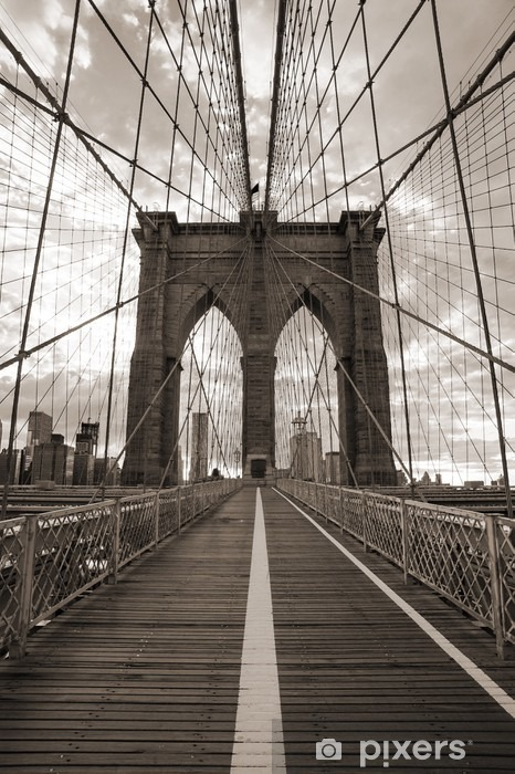 Fototapeta winylowa Brooklyn Bridge w Nowym Jorku. sepię. -