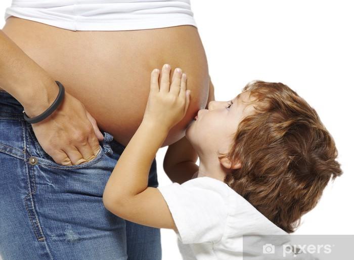 Pixerstick Dekor Pojke kyssa magen på sin gravida mamma - Familjeliv