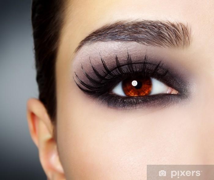 Fototapeta winylowa Eye z czarnym mody makijaż - Tematy