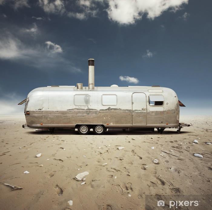 Vinylová fototapeta Ocel karavanu v poušti - Vinylová fototapeta