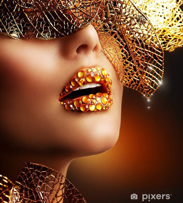 Fototapeta winylowa Luksusowy złoty makijaż. piękne wakacje profesjonalny make-up - Tematy