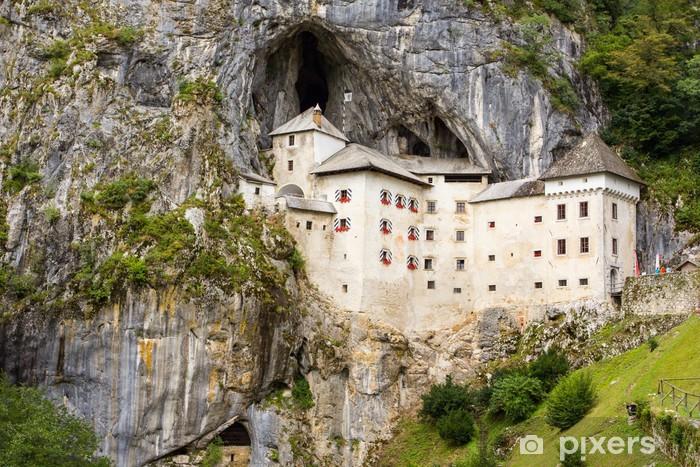 Fototapeta winylowa Predjama Castle - Słowenia - Życie