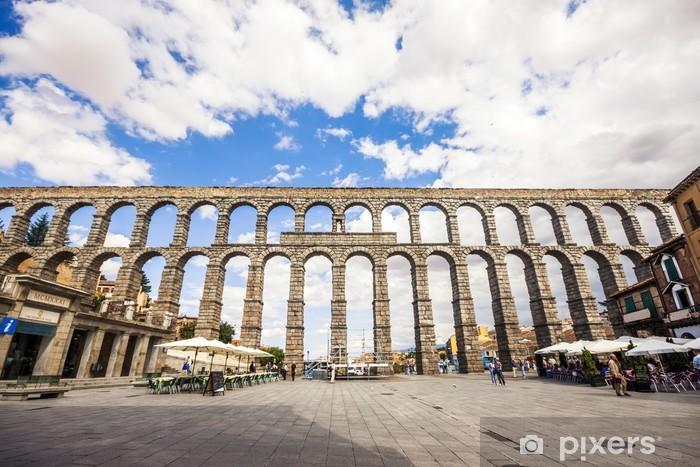 Fototapeta winylowa Słynny starożytny akwedukt w Segowii, Castilla y Leon, Hiszpania - Wakacje
