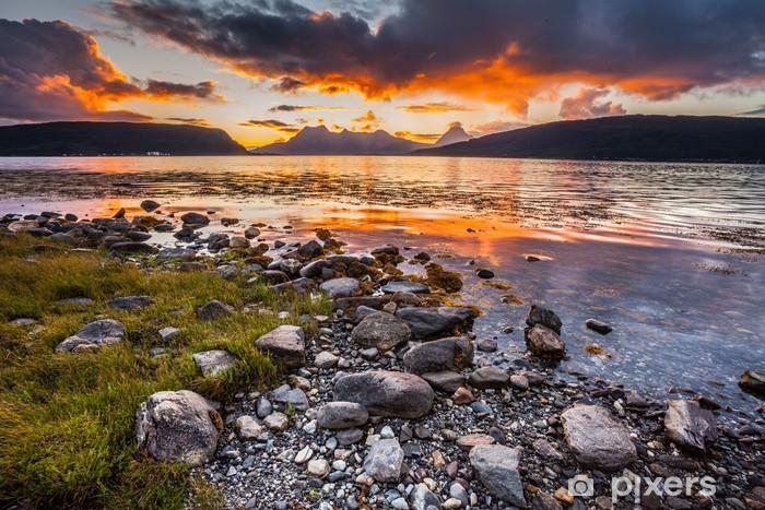 Papier peint vinyle Lofoten en Norvège fjord au coucher du soleil - Thèmes