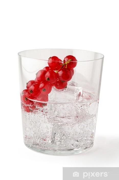 Vinilo Pixerstick Vaso De Agua Con Hielo Y Rojo Grosellas Con