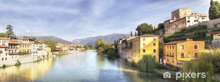 Naklejka Pixerstick Bassano del Grappa panoramiczny krajobraz rzeki - Pejzaż miejski