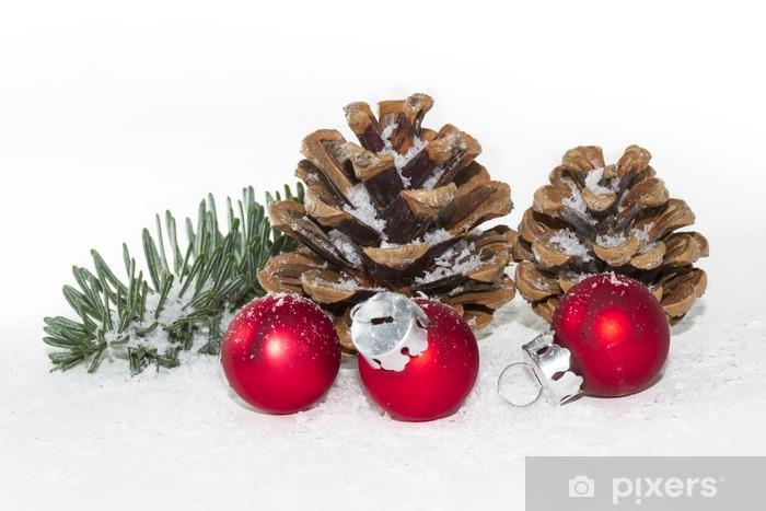 Weihnachtsdeko Mit Roten Christbaumkugeln Und Schnee Wall Mural