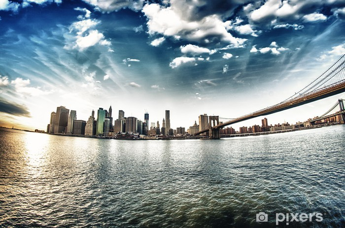 Fototapeta winylowa Spektakularny widok na Brooklyn Bridge z Brooklyn brzegu na winte - iStaging