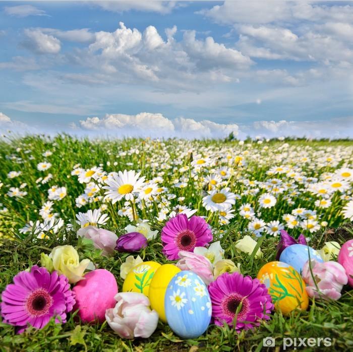 Zelfklevend Fotobehang Kleurrijke Pasen weide met bloemen en paaseieren - Pasen