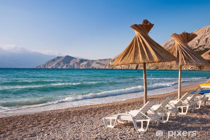 Vinilo Pixerstick Sombrilla y hamaca en la playa de Baska en Krk - Croacia - Temas