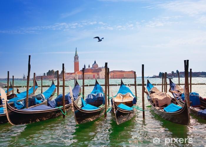 Fototapeta winylowa Włochy. Wenecja. Gondole w Canal Grande .. - Tematy