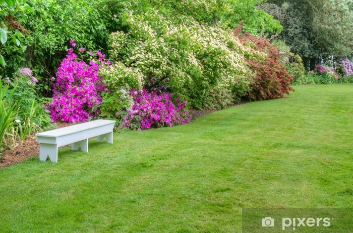 Sticker Pixerstick Paysager scène de jardin avec banc blanc - Nature et régions sauvages