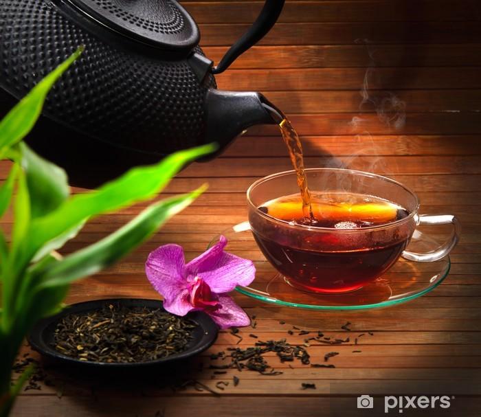 Pixerstick Sticker Presenteren van zwarte thee - Warme Dranken