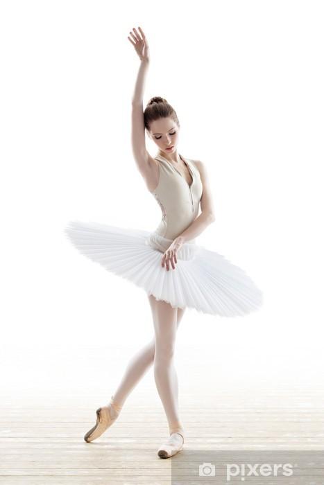 Terve tanssija -ohjelmaa toteuttavat käytännössä baletin oma fysiotiimi, Osmalan ja Saarelan lisäksi hieroja Pasi Lind.