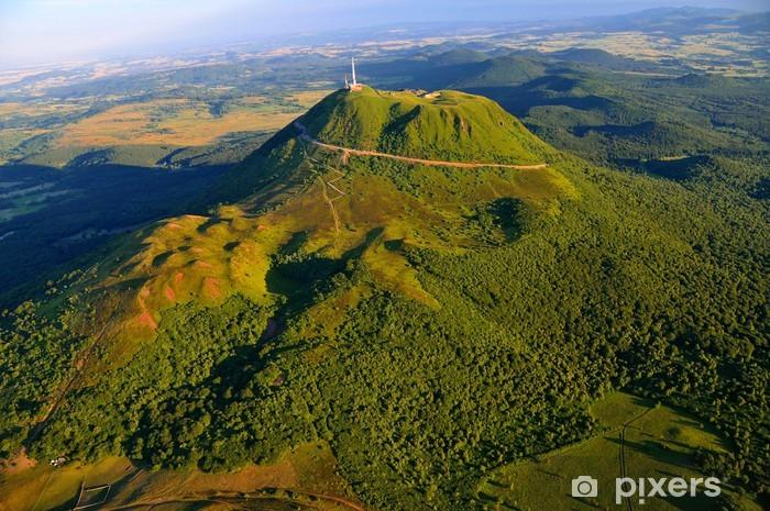 Papier peint vinyle Puy de dome et parc des volcans d'Auvergne - Nature et régions sauvages