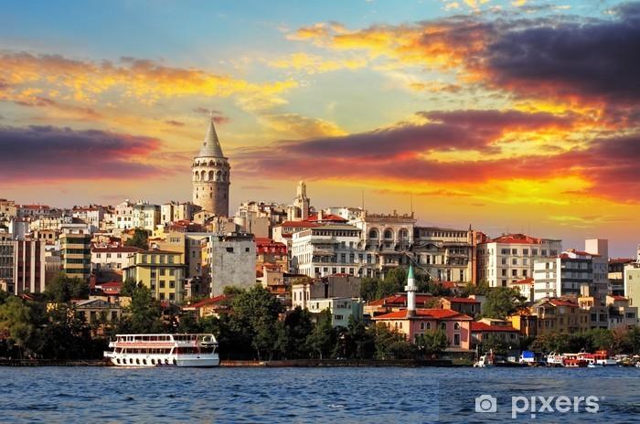 Sticker Pixerstick Istanbul au coucher du soleil - quartier de Galata, Turquie - Thèmes