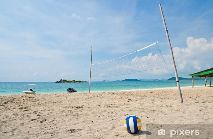 Naklejka Pixerstick Siatkówka plażowa na tropikalnej plaży morskiej - Siatkówka