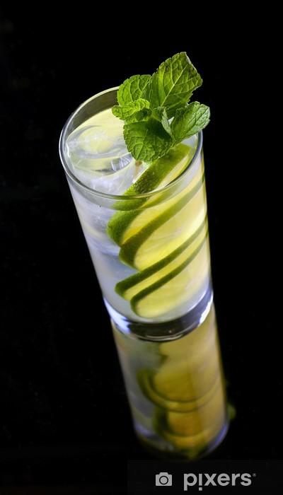 Vinyl-Fototapete Limonade mit Kalk und Eis - Alkohol