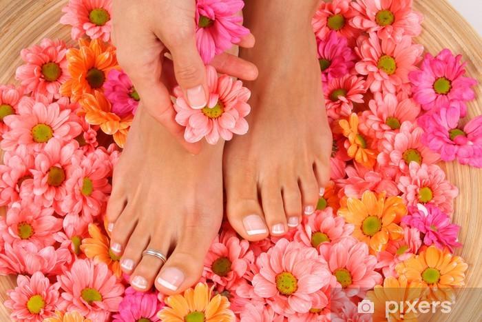 Papier peint vinyle Beauté photo de traitement des beaux pieds pedicured - Beauté et soins du corps