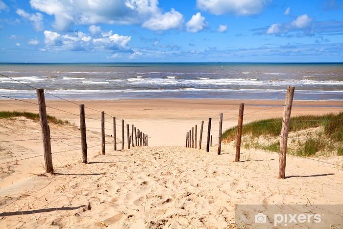 Sticker Pixerstick Chemin de la plage de sable par la mer du Nord - Destin