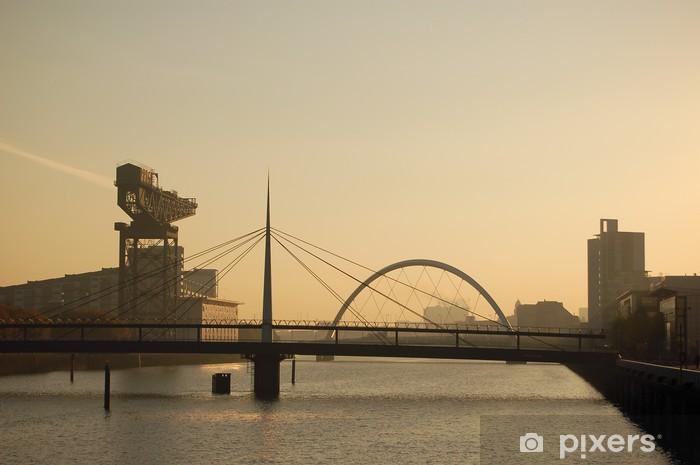 Nálepka Pixerstick Clyde mostů a jeřábové brzy ráno - Evropa