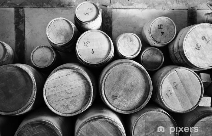 Fototapeta winylowa Drewniane beczki - Narzędzia przemysłowe
