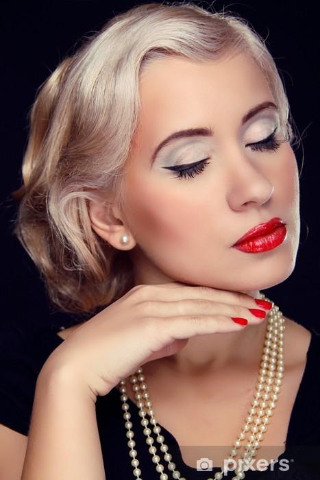 Vinilo Pixerstick Peinado Y Maquillaje Retrato De Mujer De Retro